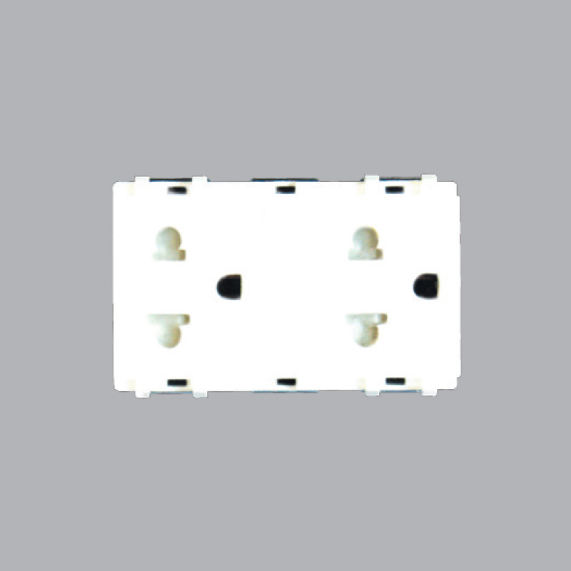 A6UES2 three-pin double socket